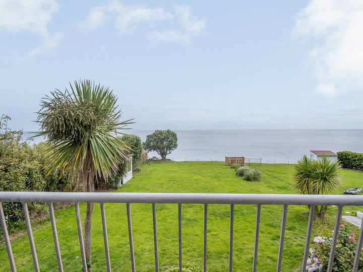 Beachside & Dog Friendly In Village Nr Looe - Up