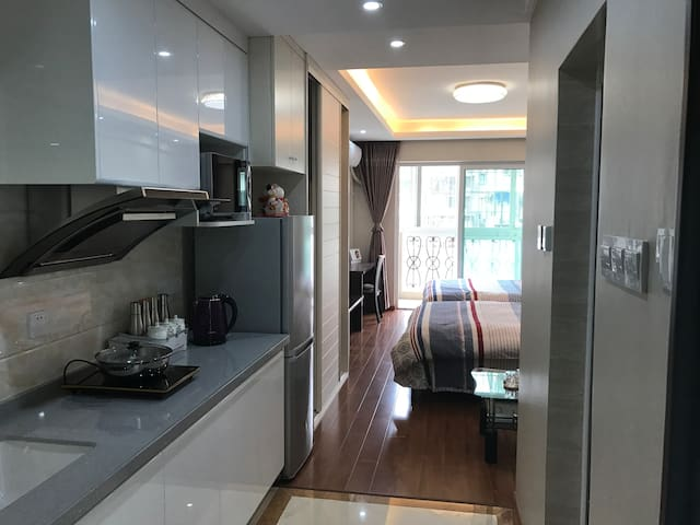 中山路旁虹霞大厦交通便利单身公寓双大床房 - Xiamen - Apartment