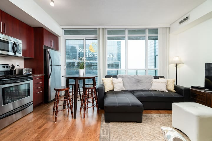Maple Leaf Sq.+Patio - 1BR + Sofabed, Jays, MTCC