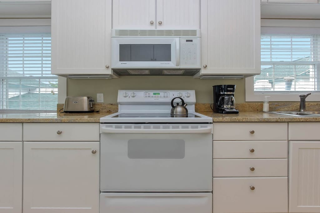 It is well equipped, including an electric stove.