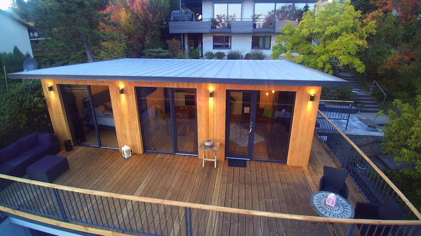 30m2 balcony with Incredible view to the Main River 40m2 living area