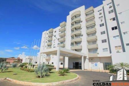 LAGOA QUENTE FLAT SERVICE - Caldas Novas - Goiás - Brasil. - Departamento