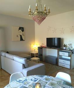 Appartamento vintage con terrazza - Tivoli - Byt