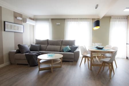 Cozy, bright and peaceful flat in Arturo Soria - Madrid - Lyxvåning