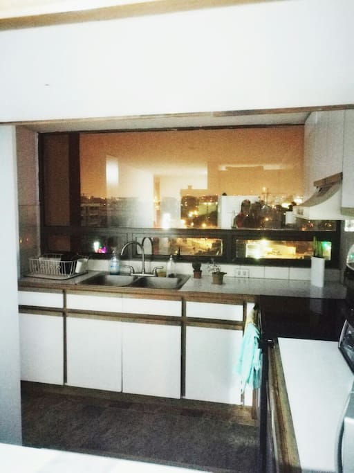 Kitchen with sight to the city