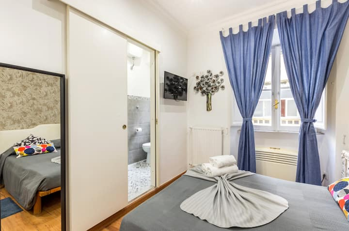 La Dolce Vita QG -Small Double Room (Room 1)