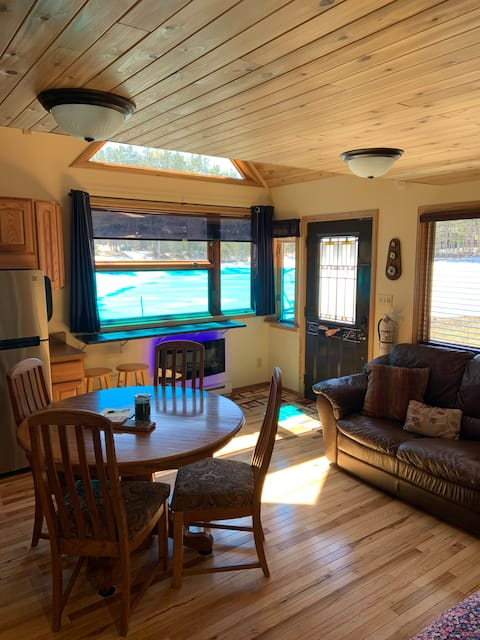 Relax and Enjoy small cabin life on Island Lake