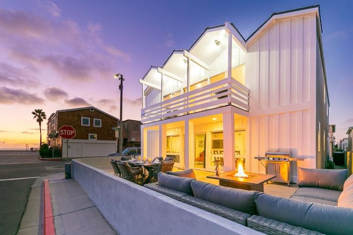 Stunning Home, Steps to Sand, Private Patio w/ Ocean Views!