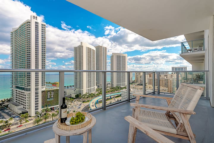 5 STARS Infinity Pool Front Ocean View: Brand New 2BR