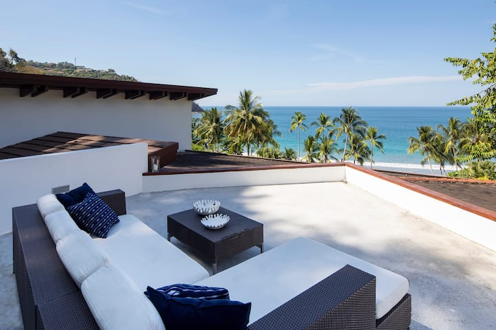 Casa Caracola White Sandy Beach next to Los Sueños