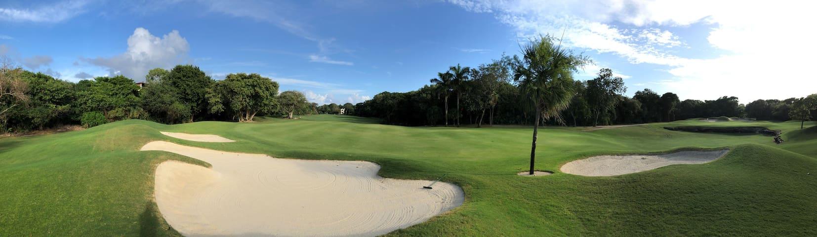 SUITE PLAYACAR -Condominio frente al campo de golf