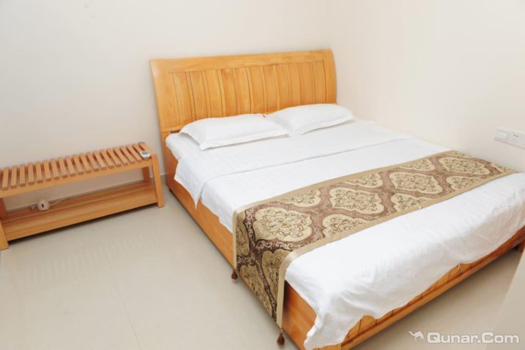 三亚大东海旅游区高层大阳台海景两房