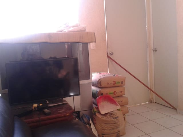 Nice Secure House in Cancun! Great Location! - Cancún - Casa