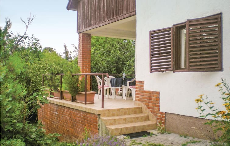 Holiday apartment with 1 bedroom on 60m² in Balatonakarattya