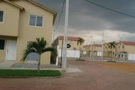 Villa Bonita Guayaquil Norte - Guayaquil