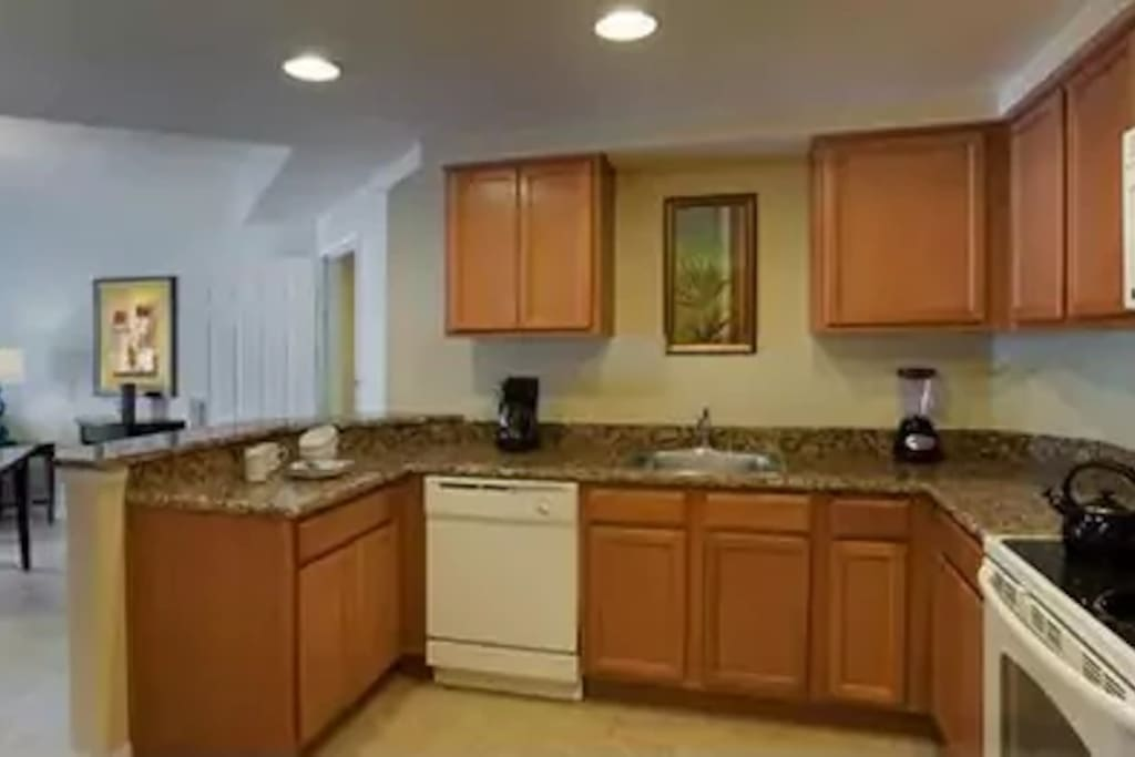 Features full kitchen with oven, dishwasher, microwave, and more!