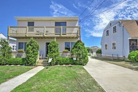 2BR Brigantine Condo - Just Steps to Beaches! - Brigantine - Condominium