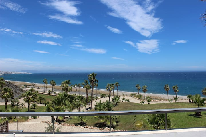 Primera línea de Playa en Playa Macenas (Mojacar)