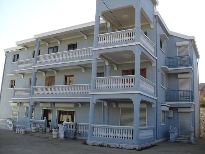 BIENVENUE A LA QUIET'ESPACE-WELCOME TO QUIET HOUSE