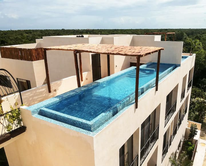 Lovely Studio | Rooftop Pool, Bikes, 30 Mbps Wifi