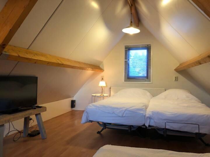Comfortabel vakantiehuisje dicht bij het strand!