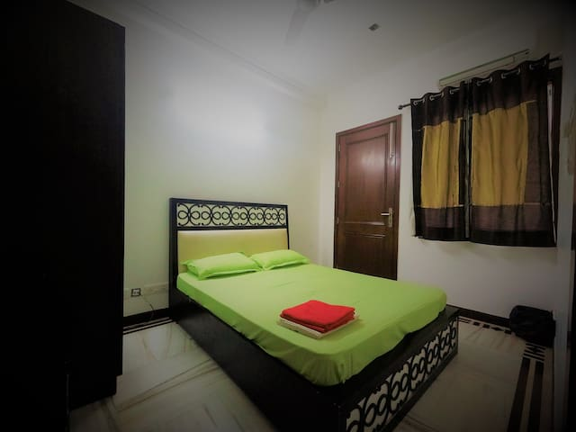 Double Room with Shared toilet@New Delhi