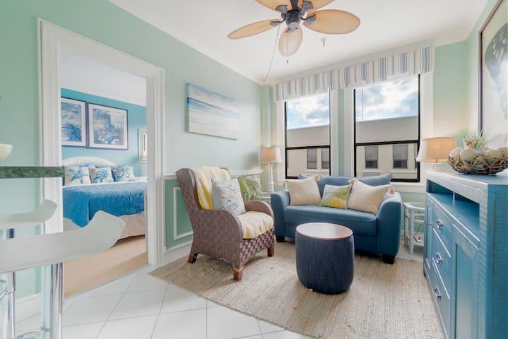 Palm Beach Suite with Parking Placard-Near Beach