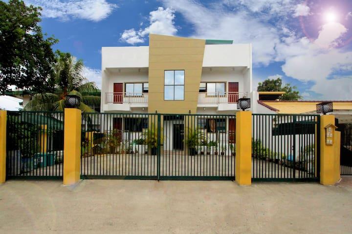 Roger's Place - Cebu City, PH