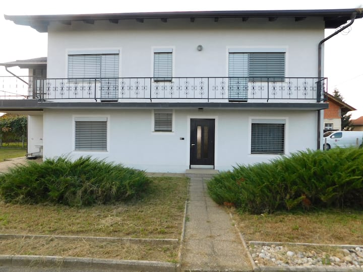 House with 4 bedroom´s, large terrace...