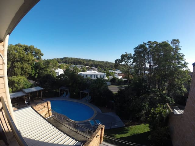 Beach Unit with a lovely view! Alexandra Headland