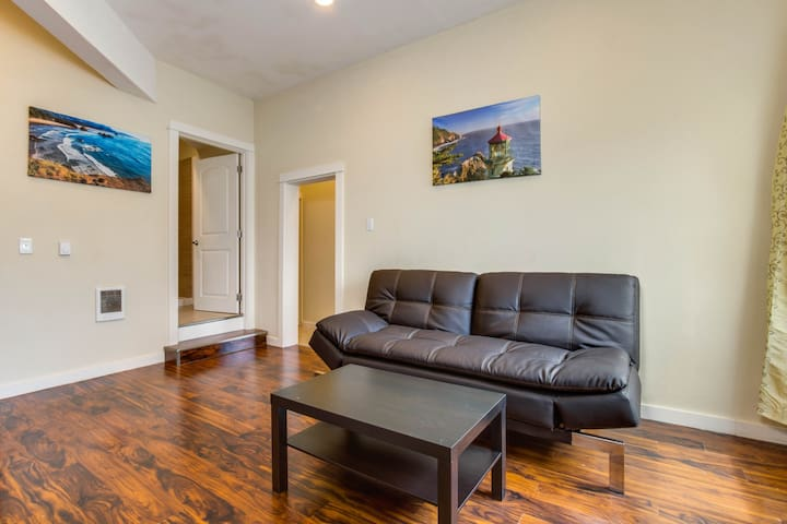Three dog-friendly condos, home comforts - great for big groups!