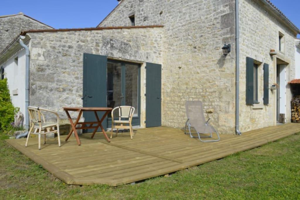 Terrasse en bois pour marcher pieds nus !