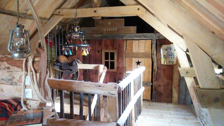 """Gite western """"le cheval qui bèle"""" - Sauliac-sur-Célé - Haus"""