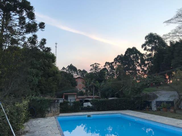 Beautiful Country Home, Wonderful Swimming Pool!!!