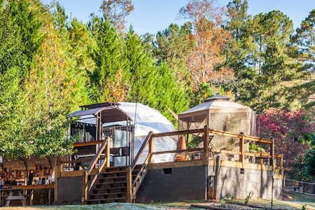 Glamping Geo Dome near Carters Lake