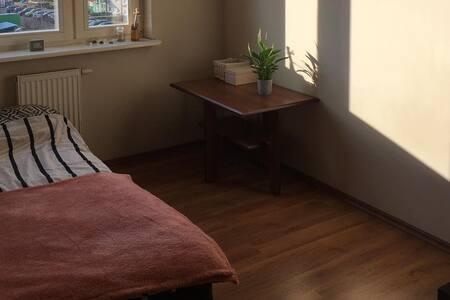 Pokój dla jednej lub dwóch osób, komfortowo czysto