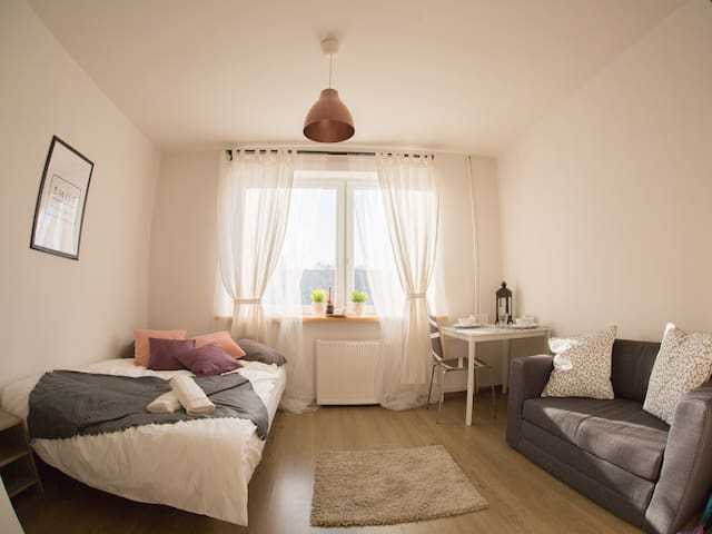AS HOME cozy&sunny STUDIO City Center - Вроцлав - Квартира
