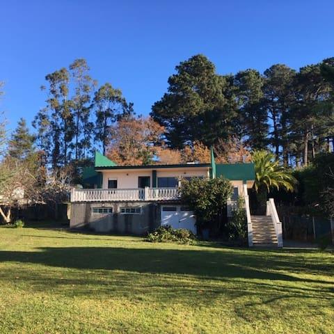 Casa palmeira, vistas a la ria, jardin grande