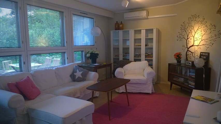 Cosy three room apartment, Big terrace, Beach 500m - Jyväskylä - Townhouse