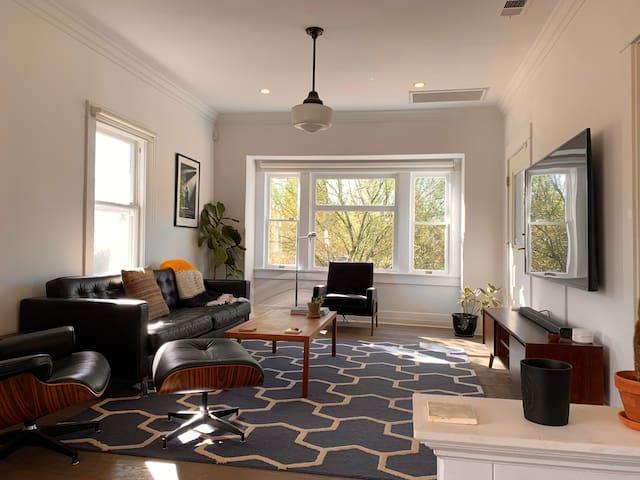 2BR Highland Pk Craftsman Home w/ Backyard Office