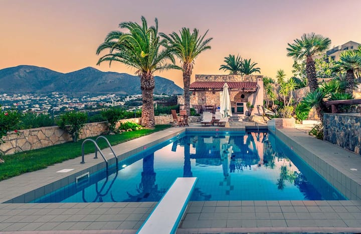 *Seafront villa with an 80sqm private pool*