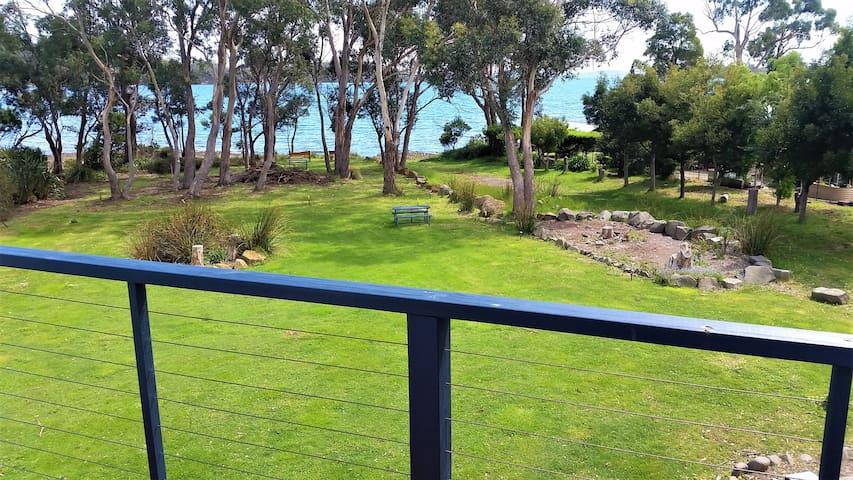 Four Seasons Bay View Villa