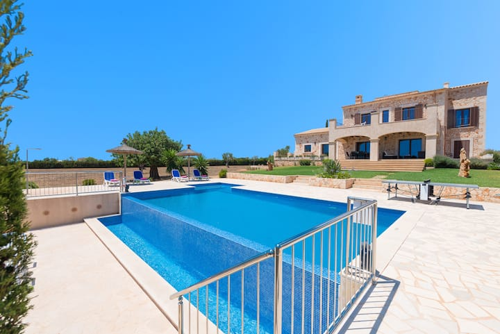 VADELL;) IS A LUXURY VILLA,HOLIDAYS,SUN AND BEACH