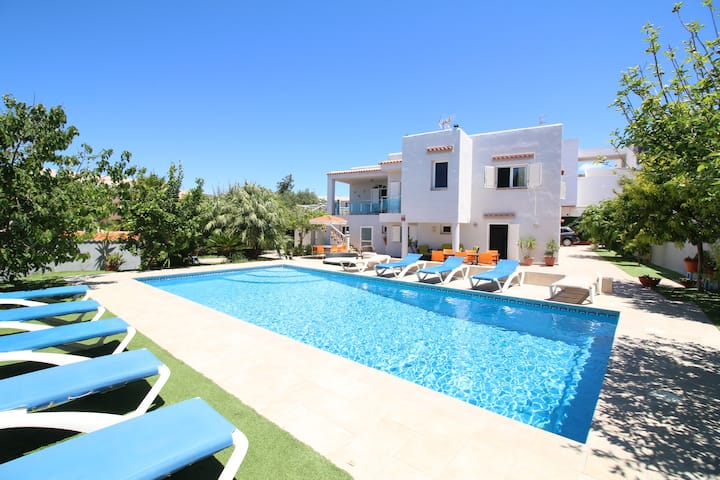 Villa Sunset | 5 Bedrooms | Car Not Required