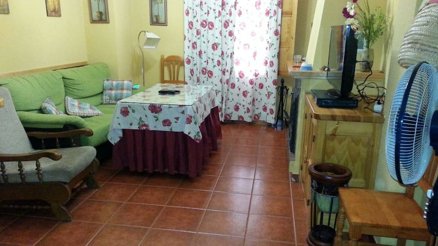 CASA EN BENAMAHOMA (SIERRA DE GRAZALEMA) - Benamahoma - House