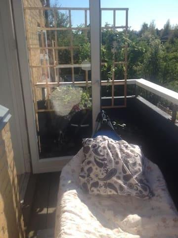 Bohemian paradise with balcony - Risskov - Leilighet
