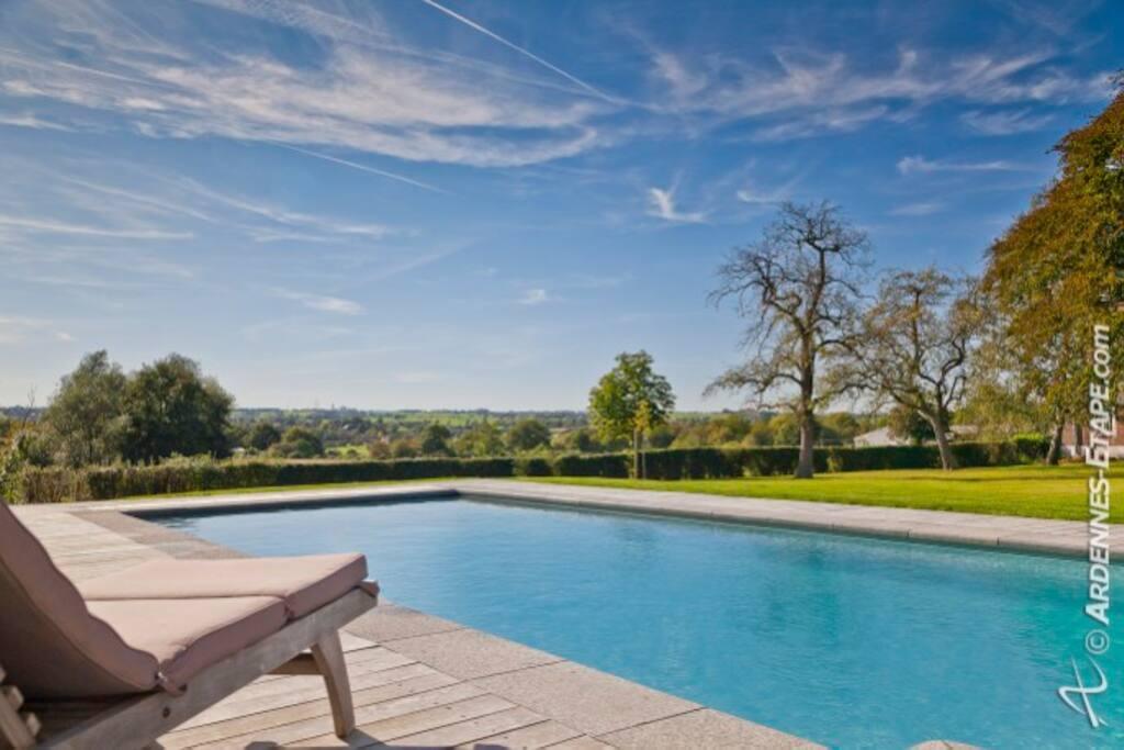 Chateau avec piscine 14 personnes schl sser zur miete in for Piscine clermont