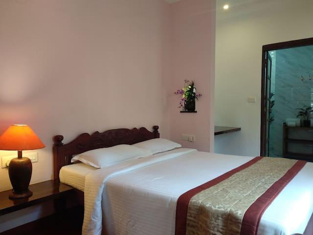 Marari Umapathi Beach Villa Budget Stay