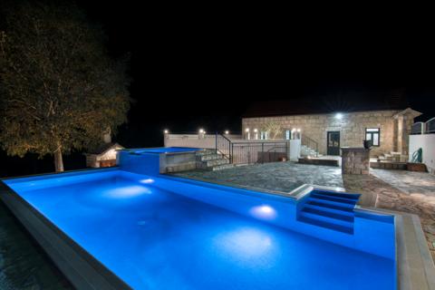 Holiday house Dvori Stipanovi with heated pool