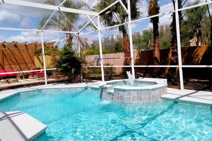 Private studio: Kissimmee POOL home